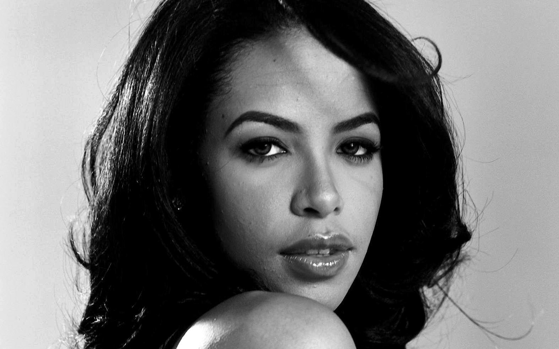 aaliyah - photo #2