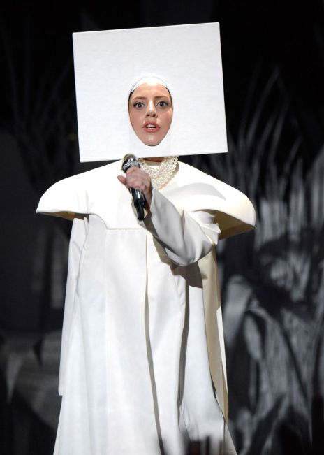 Lady Gaga performs1